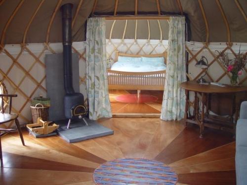 11-offas-dyke-yurt