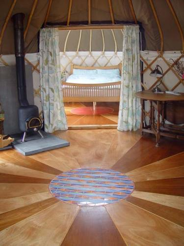 12-offas-dyke-yurt
